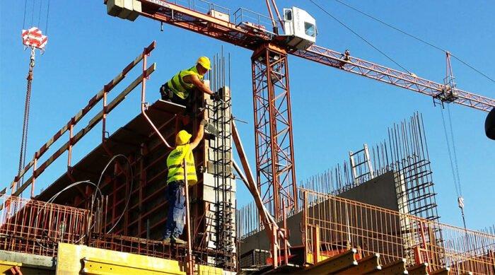 Jak kontrolować narzędzia budowlane - monitorowanie sprzętu budowlanego