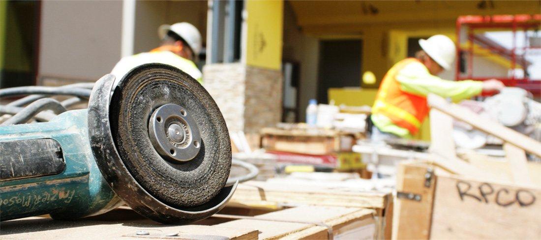 jak zapobiegać kradzieży narzędzi budowlanych