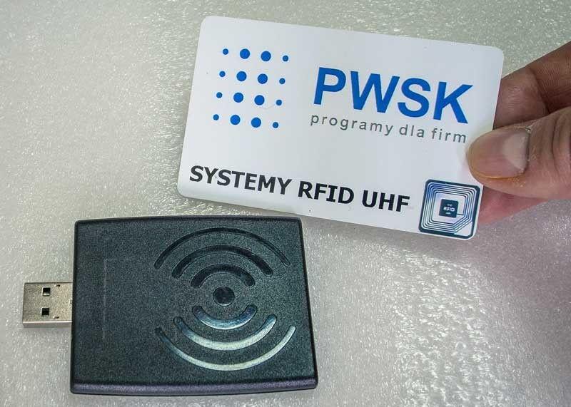 Czytnik RFID UHF