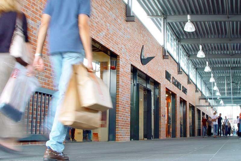 Inteligentna przymierzalnia, rozwiązania dla handlu detalicznego, handel ubraniami
