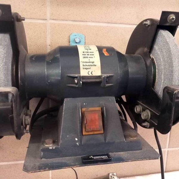 Trwałe znakowanie sprzętu i narzędzi tagami RFID UHF
